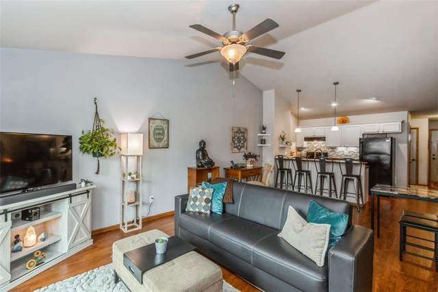 809 Duchess Drive, Solon, IA 52333 (MLS #2106851) :: The Graf Home Selling Team