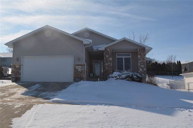 211 Orchard Street SW, Swisher, IA 52338 (MLS #1906985) :: The Graf Home Selling Team
