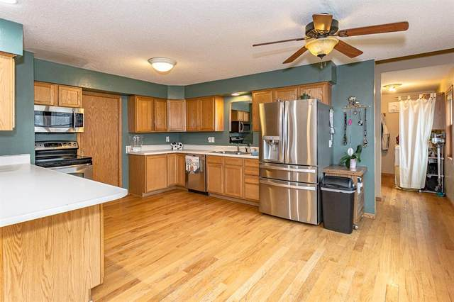 795 Leslie Court, Robins, IA 52328 (MLS #2002259) :: The Graf Home Selling Team