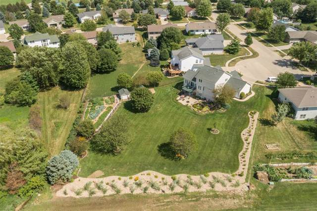 490 West 34th Court, Marion, IA 52302 (MLS #1906056) :: The Graf Home Selling Team