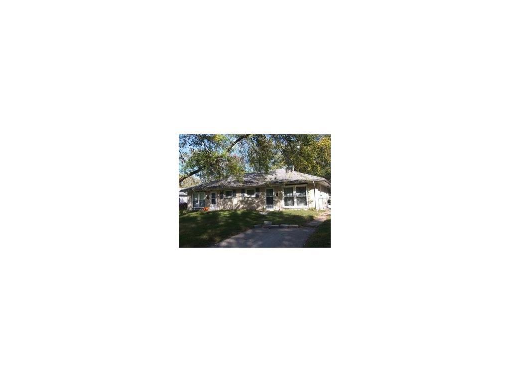 203-203 1/2 8th Avenue, Hiawatha, IA 52233 (MLS #1703481) :: The Graf Home Selling Team