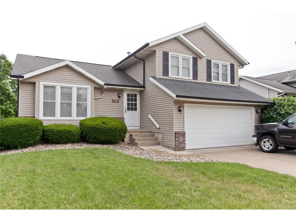 513 Peace Avenue NW, Cedar Rapids, IA 52405 (MLS #1706280) :: The Graf Home Selling Team