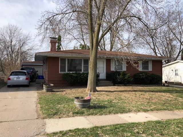 925 Westview Drive, Marion, IA 52302 (MLS #1802736) :: The Graf Home Selling Team