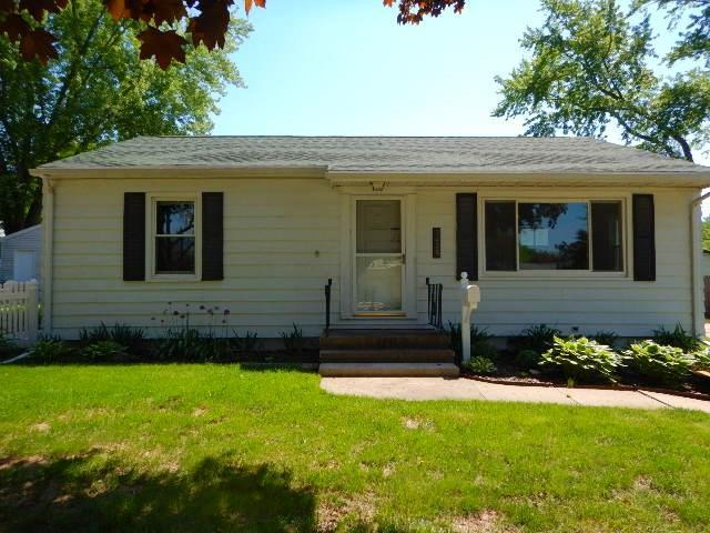1425 Maplecrest Drive, Marion, IA 52302 (MLS #1803672) :: The Graf Home Selling Team