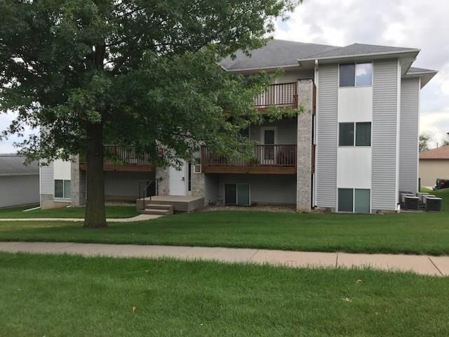 876 Boston Way #11, Coralville, IA 52241 (MLS #1805738) :: The Graf Home Selling Team