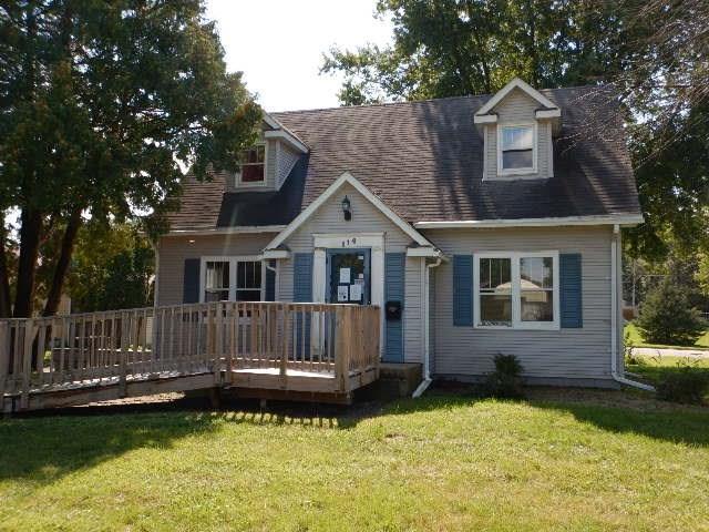 114 Berkshire Road, Waterloo, IA 50701 (MLS #1806738) :: The Graf Home Selling Team