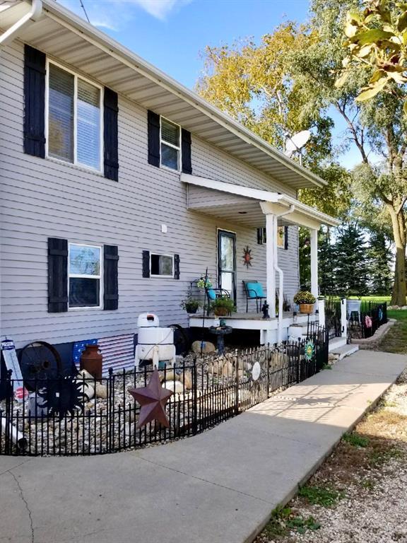 2955 York Avenue, Coggon, IA 52218 (MLS #1807275) :: The Graf Home Selling Team