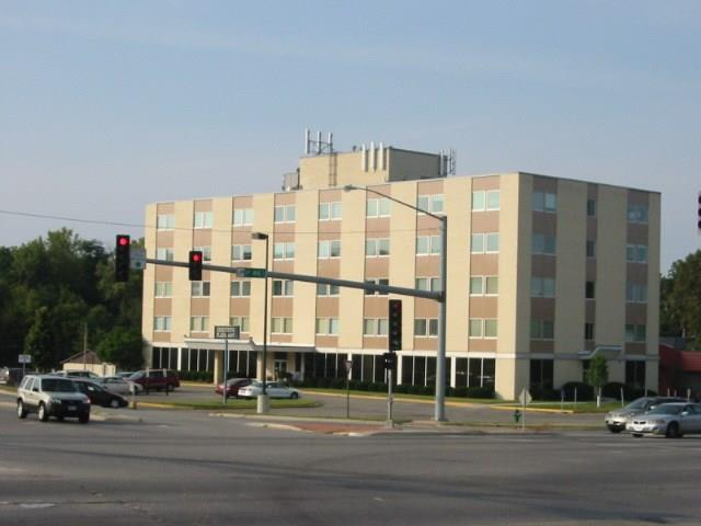 4403 1st Avenue SE #303, Cedar Rapids, IA 52403 (MLS #1807856) :: The Graf Home Selling Team