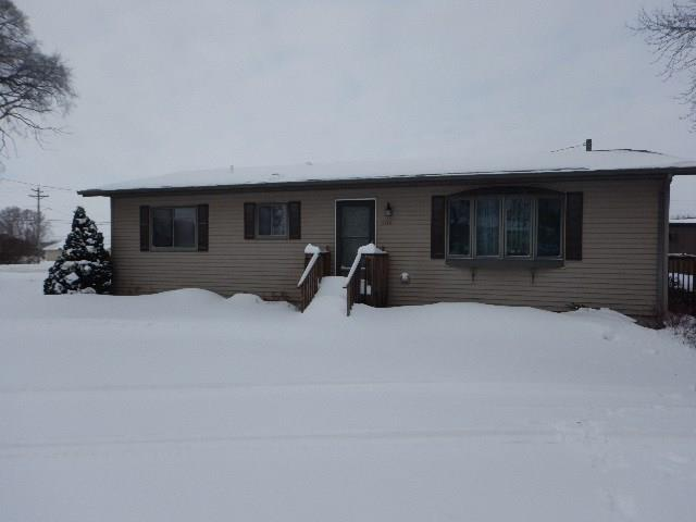 508 12th Street NE, Independence, IA 50644 (MLS #1902746) :: The Graf Home Selling Team