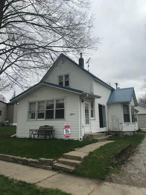 1509 1/2 6th Avenue, Belle Plaine, IA 52208 (MLS #1902759) :: The Graf Home Selling Team