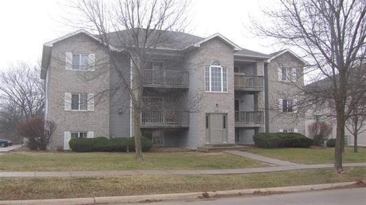 2862 Coral Court #102, Coralville, IA 52241 (MLS #1904405) :: The Graf Home Selling Team