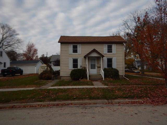 202 4th Avenue SW, Waverly, IA 50677 (MLS #1908319) :: The Graf Home Selling Team