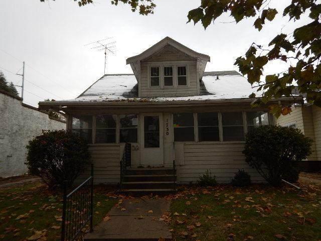 1730 B Avenue NW, Cedar Rapids, IA 52405 (MLS #2001132) :: The Graf Home Selling Team