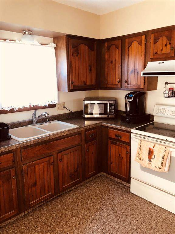 102 Long Avenue, Lost Nation, IA 52254 (MLS #2001199) :: The Graf Home Selling Team