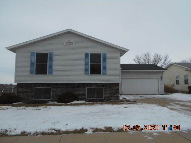 3626 King Drive SW, Cedar Rapids, IA 52404 (MLS #2001294) :: The Graf Home Selling Team