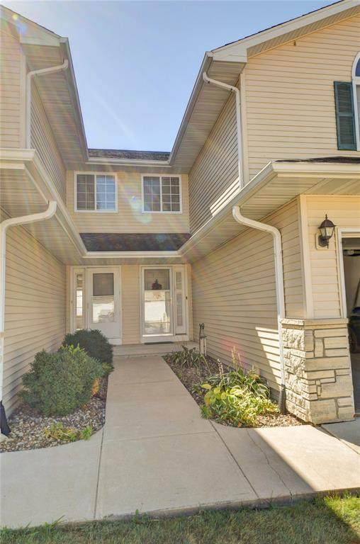 3536 Stoneview Circle SW, Cedar Rapids, IA 52404 (MLS #2006721) :: The Graf Home Selling Team