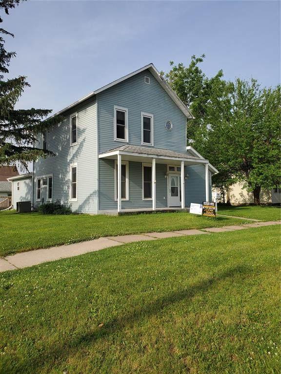 314 E 4th Street, Vinton, IA 52349 (MLS #2100081) :: The Graf Home Selling Team