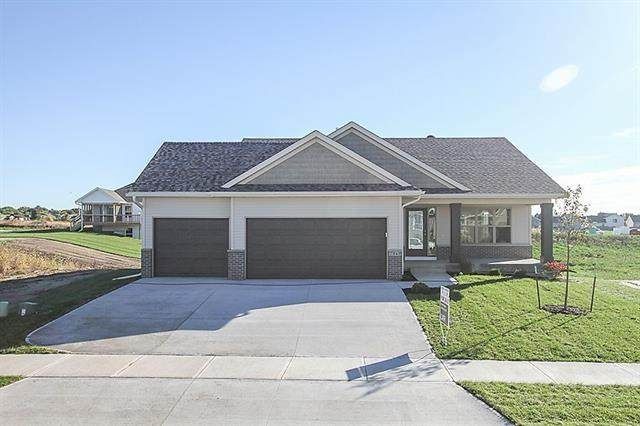 2911 Armstrong Dr - Photo 1
