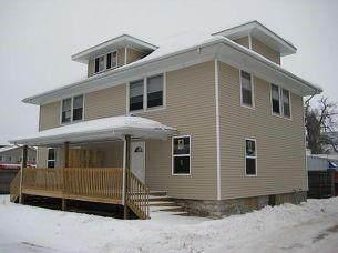 110 4th Street NW, Cedar Rapids, IA 52405 (MLS #2100730) :: Lepic Elite Home Team