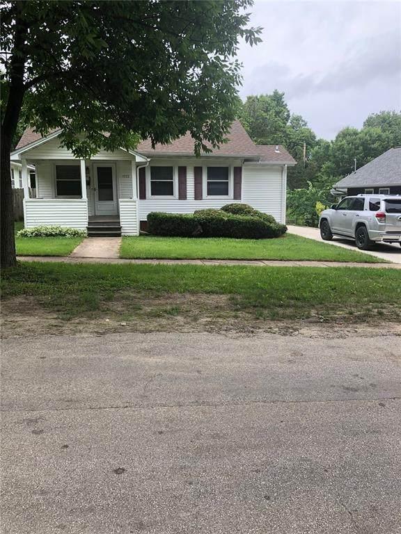 1723 K Avenue NE, Cedar Rapids, IA 52402 (MLS #2102521) :: The Graf Home Selling Team