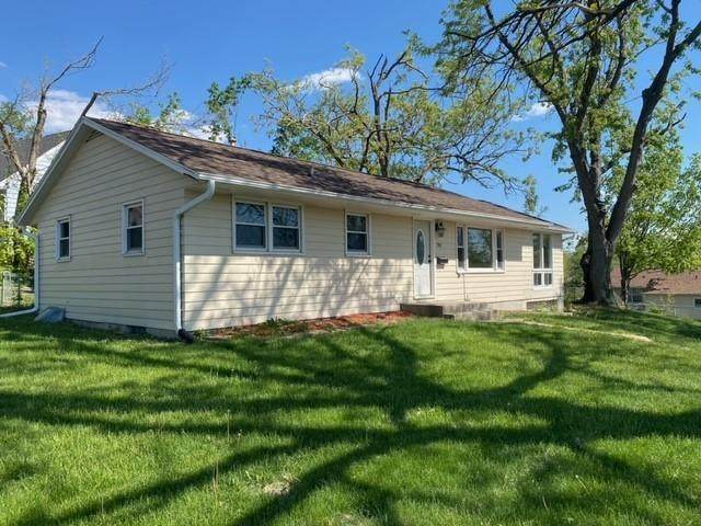 702 40th Street SE, Cedar Rapids, IA 52403 (MLS #2103129) :: The Graf Home Selling Team
