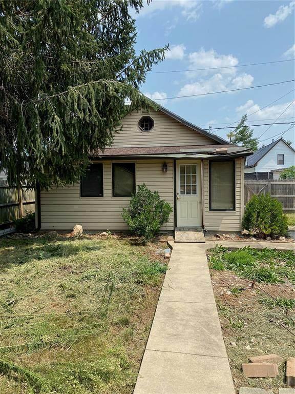 1317 10th Street NW, Cedar Rapids, IA 52405 (MLS #2104982) :: Lepic Elite Home Team