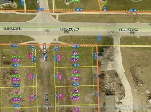 3303 Sokol Lane SW, Cedar Rapids, IA 52404 (MLS #2105932) :: The Graf Home Selling Team