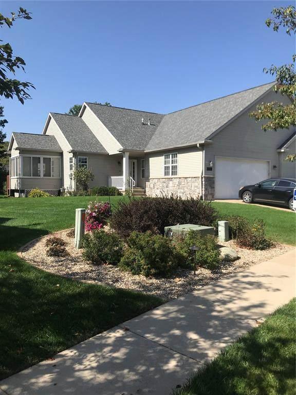3905 N Willowbend Road NE, Cedar Rapids, IA 52411 (MLS #2106673) :: The Graf Home Selling Team
