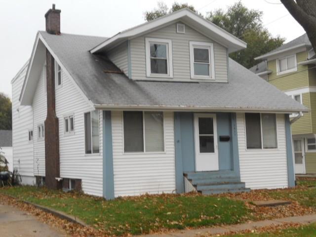 1411 1st Street SW, Cedar Rapids, IA 52404 (MLS #1710425) :: WHY USA Eastern Iowa Realty