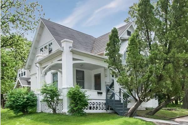 1927 Mt Vernon Road SE, Cedar Rapids, IA 52403 (MLS #1806652) :: The Graf Home Selling Team