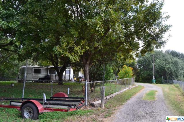 140 Mulberry, Seguin, TX 78155 (MLS #324446) :: The Suzanne Kuntz Real Estate Team