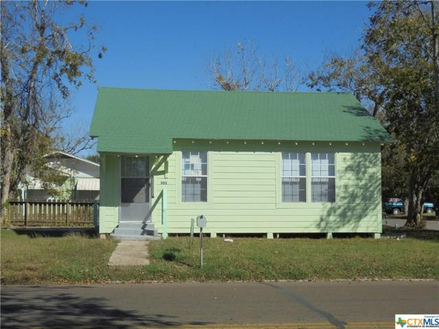 503 W Gonzales, Yoakum, TX 77995 (MLS #330986) :: RE/MAX Land & Homes