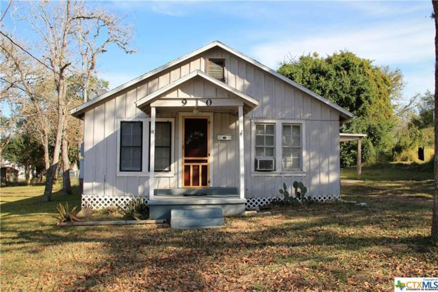 910 Moss, Cuero, TX 77954 (MLS #331714) :: RE/MAX Land & Homes
