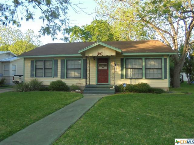 207 Whitfield, Yoakum, TX 77995 (MLS #344580) :: RE/MAX Land & Homes