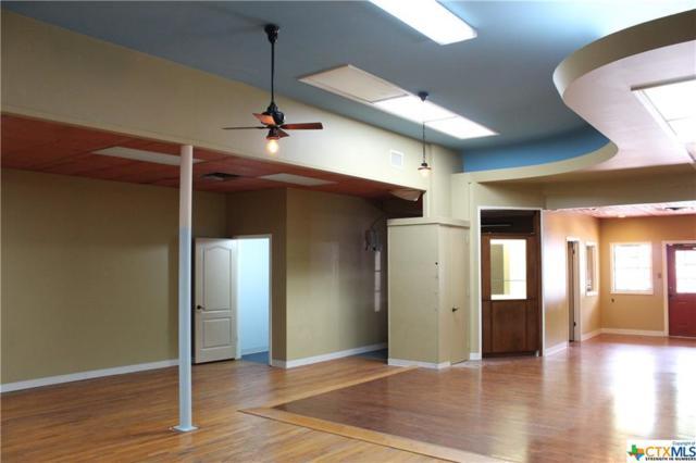 108 N Main, Victoria, TX 77901 (MLS #347034) :: RE/MAX Land & Homes