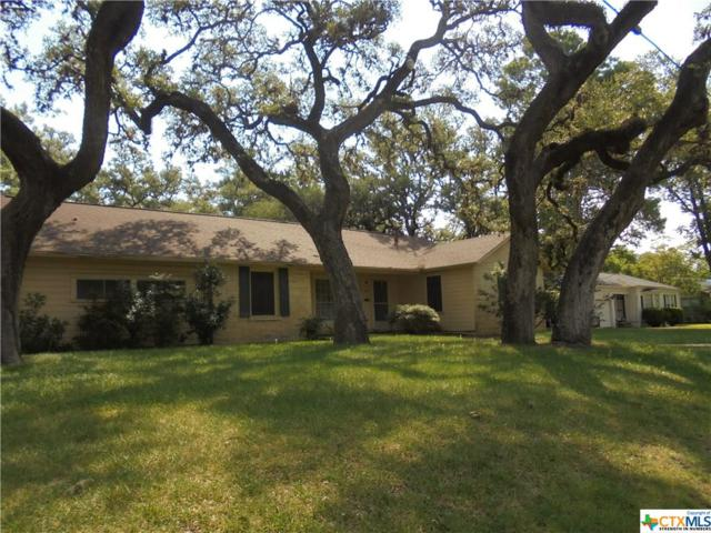 1001 E Gonzales, Yoakum, TX 77995 (MLS #355040) :: Kopecky Group at RE/MAX Land & Homes
