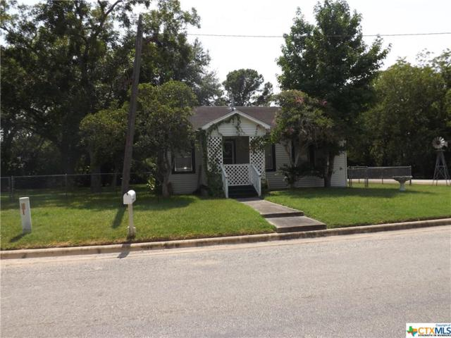 207 Hackberry, Hallettsville, TX 77964 (MLS #355701) :: RE/MAX Land & Homes