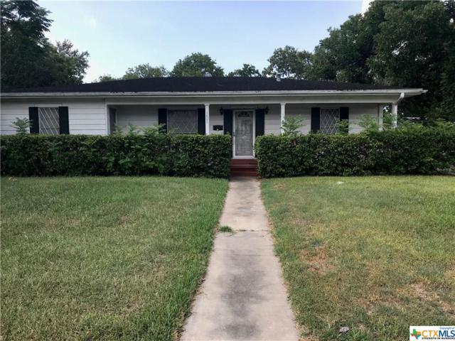 1607 E Stayton, Victoria, TX 77901 (MLS #356693) :: Kopecky Group at RE/MAX Land & Homes
