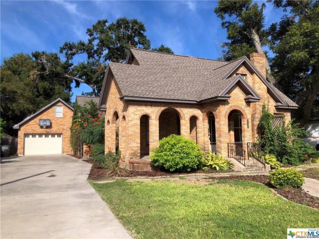 1405 N Main, Victoria, TX 77901 (MLS #359977) :: Kopecky Group at RE/MAX Land & Homes