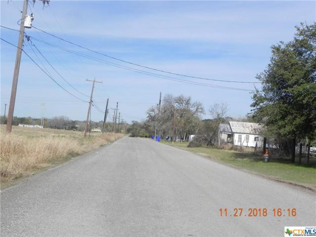 1401 Dunn, Yoakum, TX 77995 (MLS #365347) :: RE/MAX Land & Homes