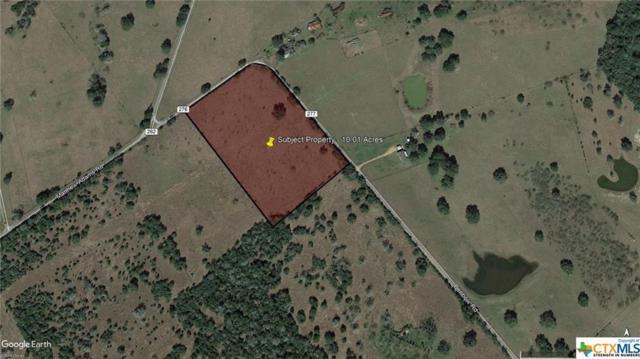 320 Benbow, Yoakum, TX 77995 (MLS #369493) :: Kopecky Group at RE/MAX Land & Homes