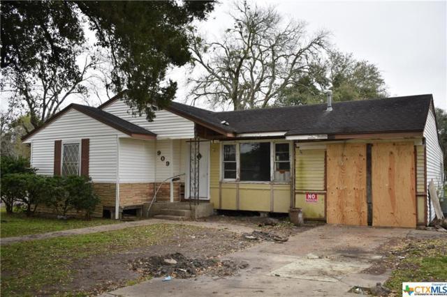 909 E Rosebud, Victoria, TX 77901 (MLS #370228) :: Kopecky Group at RE/MAX Land & Homes