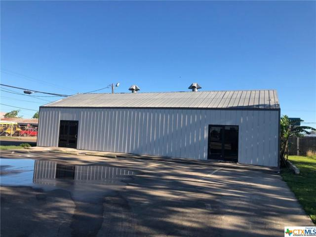 1904 N Navarro Street, Victoria, TX 77901 (MLS #376043) :: Kopecky Group at RE/MAX Land & Homes