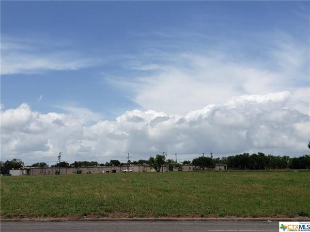 2410 E North, Victoria, TX 77901 (MLS #377831) :: Kopecky Group at RE/MAX Land & Homes