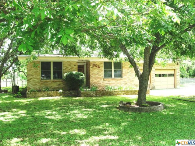 956 Broadway, New Braunfels, TX 78130 (MLS #379934) :: Vista Real Estate