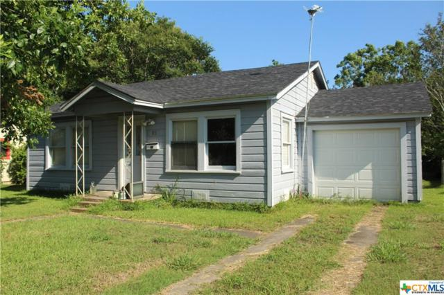 1305 E Warren Ave, Victoria, TX 77901 (MLS #381777) :: Kopecky Group at RE/MAX Land & Homes