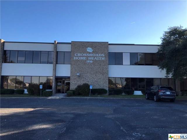 1910 E Commerce Street, Victoria, TX 77901 (MLS #396290) :: Kopecky Group at RE/MAX Land & Homes
