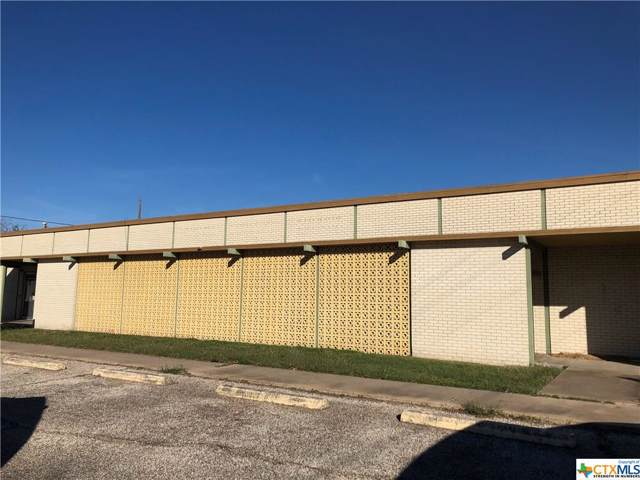 402 E Guadalupe Street, Victoria, TX 77901 (MLS #397076) :: The Barrientos Group