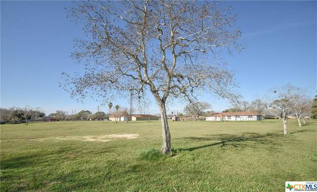 908 Eden Roc, Victoria, TX 77904 (MLS #401698) :: Kopecky Group at RE/MAX Land & Homes