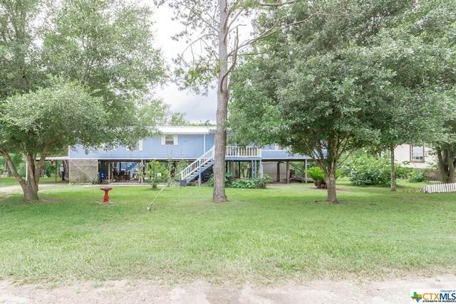 32 Crestview Dr, Cuero, TX 77954 (MLS #403284) :: Kopecky Group at RE/MAX Land & Homes